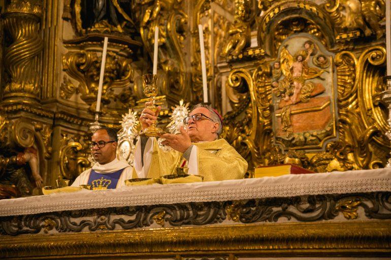 Arquidiocese de Mariana suspende oficialmente as celebrações públicas da Semana Santa