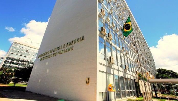 Turismo quer FGTS e seguro para empregados do setor