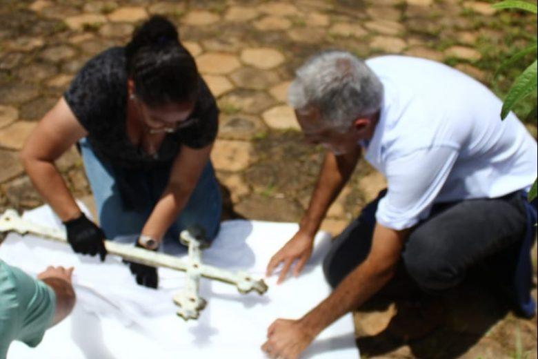 Imagem: Cruz da Igreja de Socorro é resgatada em Barão