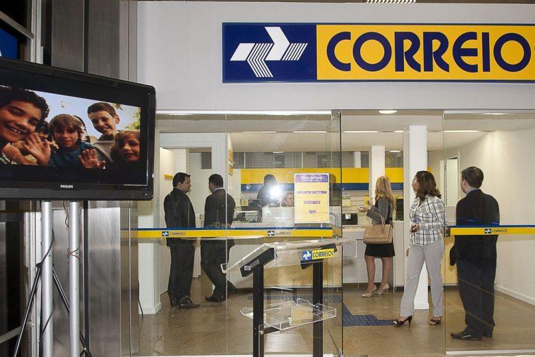 Correios levam amostras de coronavírus para estudos em universidades
