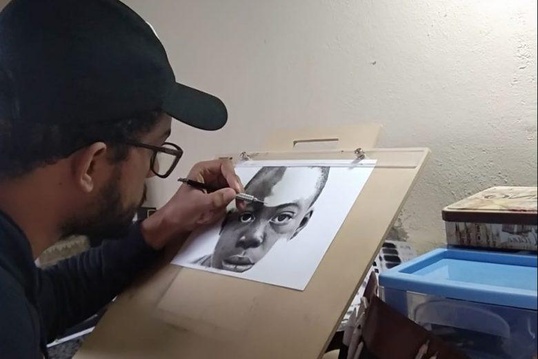 Itabirano descobre amor pelo desenho realista e sonha em viver pela arte