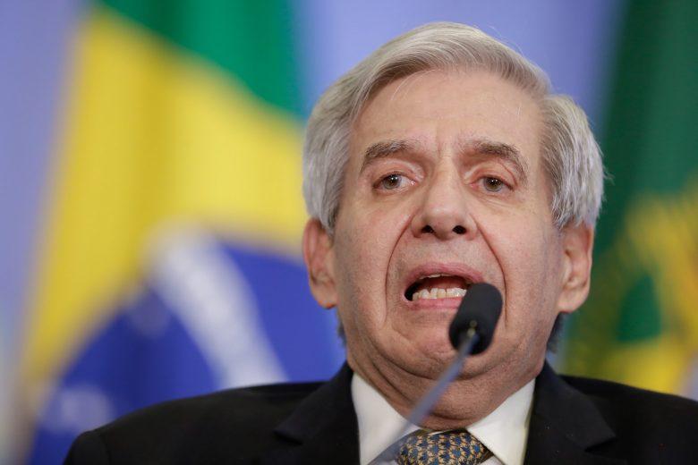 """General Heleno: apreensão de celular de Bolsonaro é """"inacreditável"""" e pode gerar """"consequências imprevisíveis"""""""