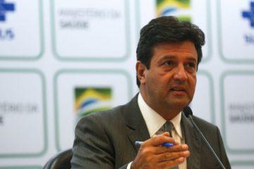 Ministro da Saúde sugere adiar eleições de 2020 para conter Coronavírus