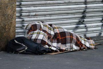 Secretária relata dificuldades de sensibilizar população em situação de rua sobre coronavírus