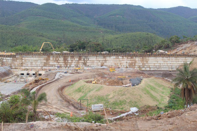 Vale conclui obras de muro próximo a barragem em Barão de Cocais