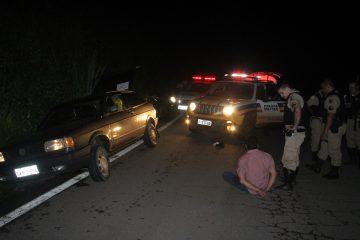 Motorista embriagado tenta fugir, mas acaba preso pela polícia