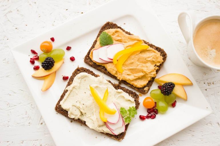 Café da manhã equilibrado previne diabetes e doenças cardiovasculares