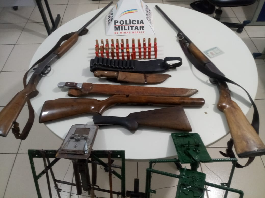 Polícia Rodoviária apreende armas e apetrechos para caça predatória em Itabira