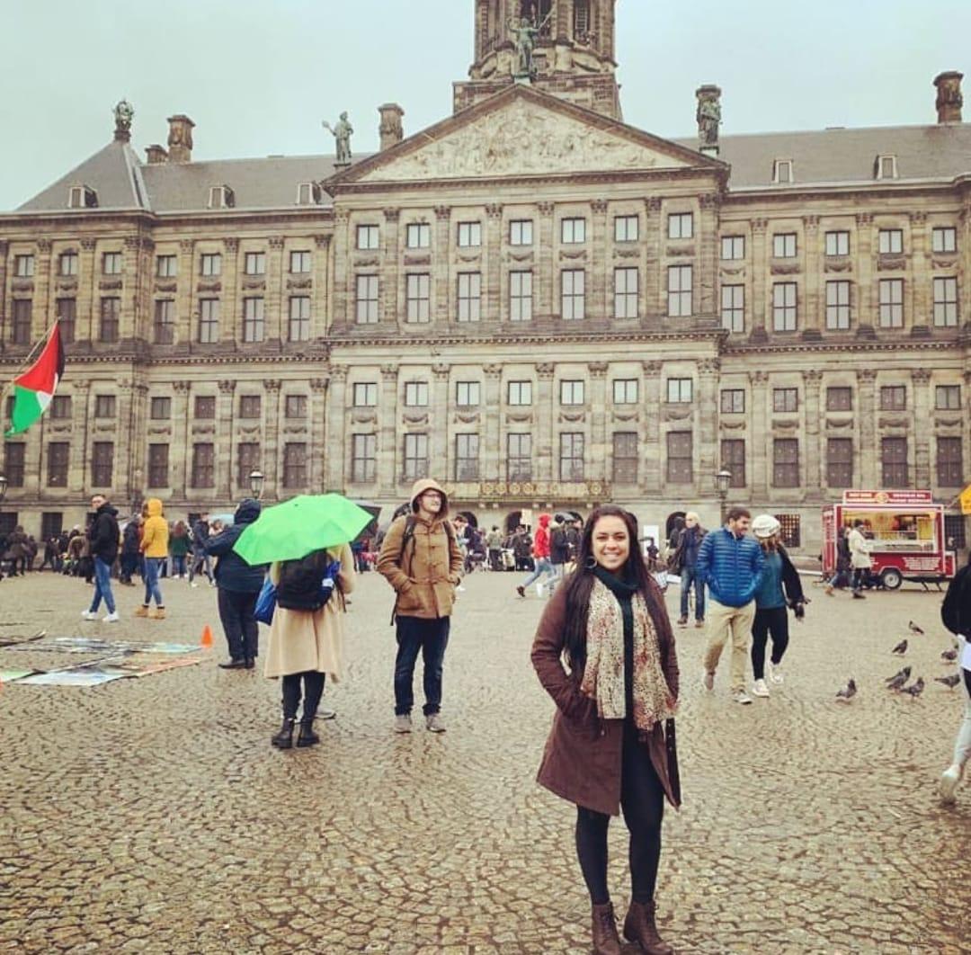 Na Holanda, multa por descumprir isolamento chega a R$ 2,2 mil, relata itabirana
