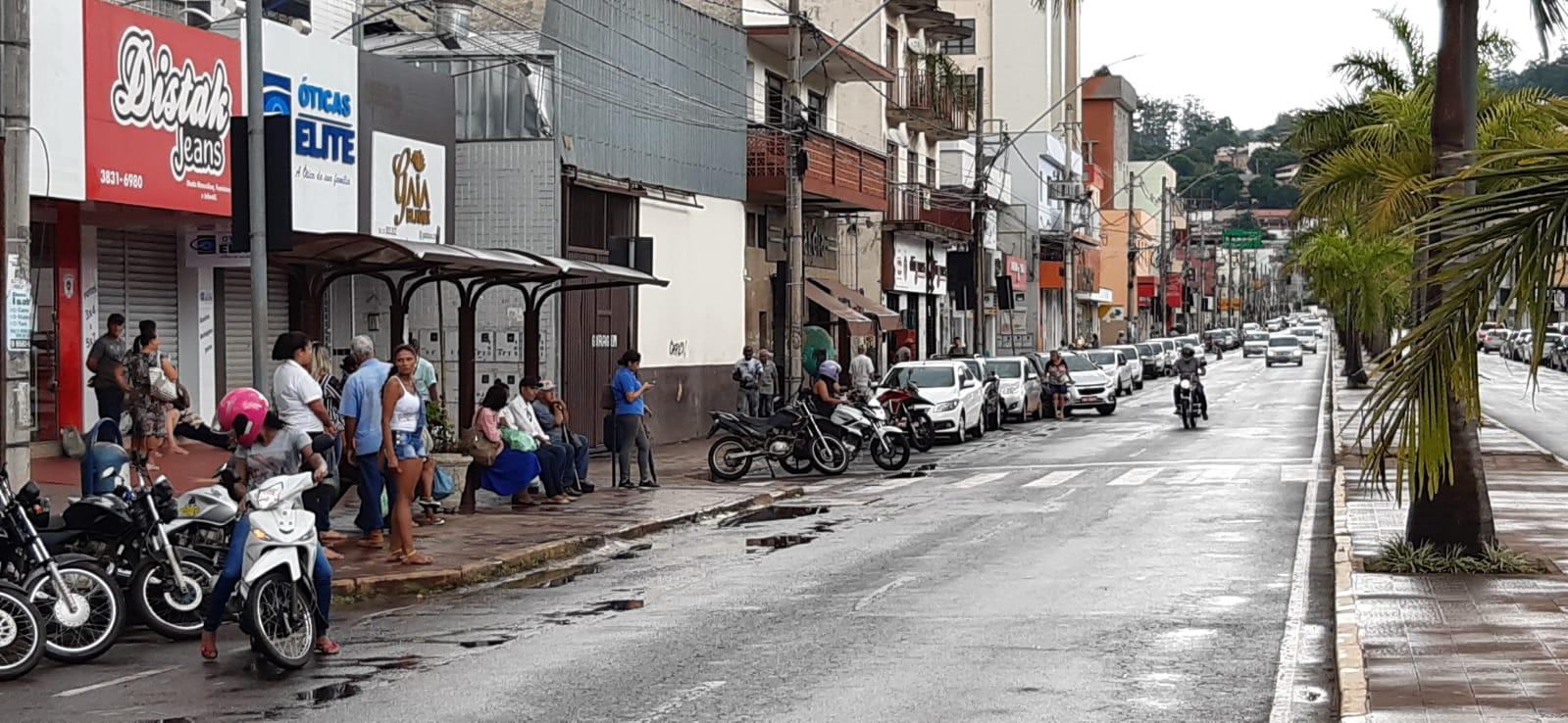 primeira-segunda-feira-do-mes-lota-ruas-de-itabira-apesar-de-recomendacao-pelo-isolamento