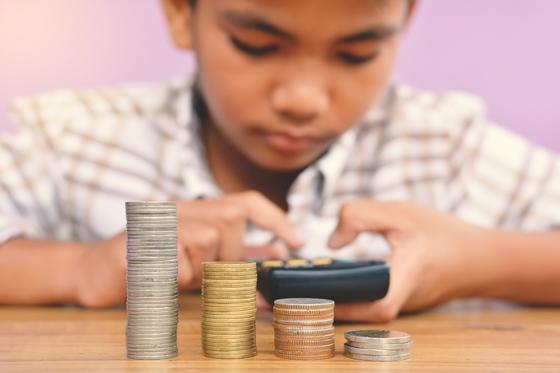 Educação financeira infantil: a importância de ensinar bons hábitos para crianças