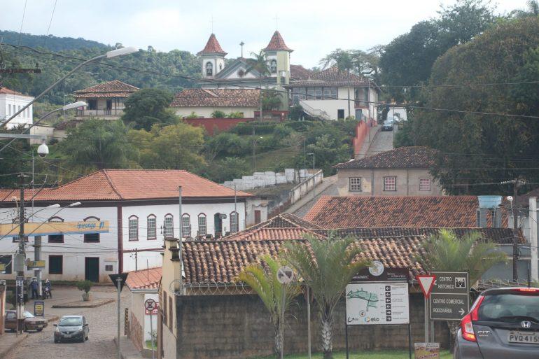 Covid: Santa Bárbara proíbe venda de bebidas alcóolicas; entenda o decreto