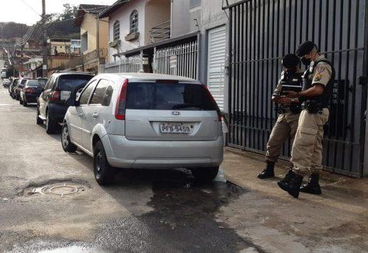 Veículo com placa clonada é encontrado em bairro de Itabira