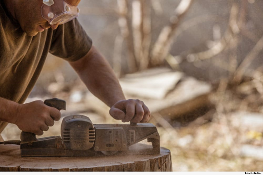 Prefeitura é obrigada a indenizar carpinteiro que teve a mão machucada durante o trabalho