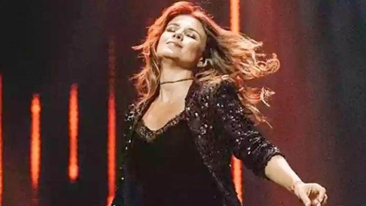 Assista agora a live sertaneja da cantora Paula Fernandes