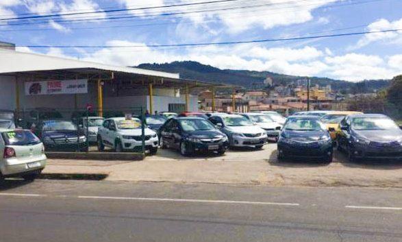 Prime Automóveis tem diversas opções de seminovos e carro zero; VEJA FOTOS