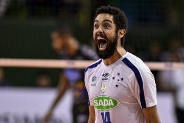 Levantador Cachopa renova com o Cruzeiro por uma temporada