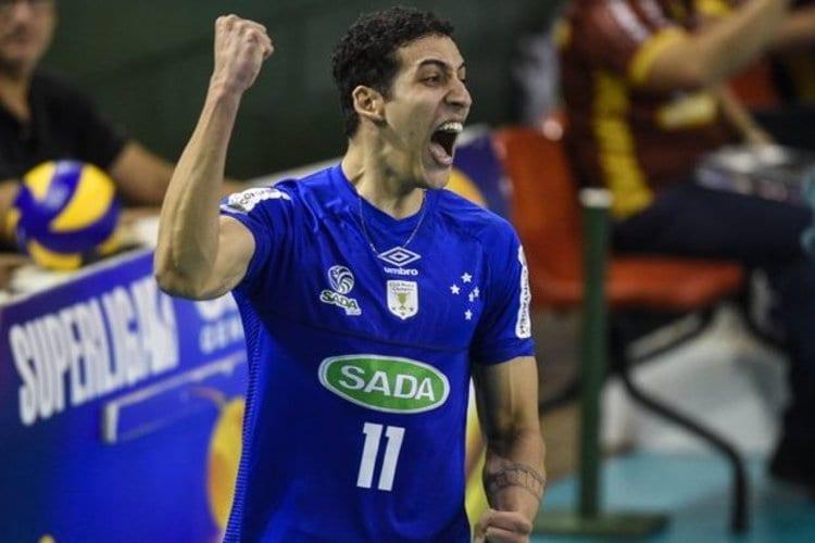 Após Cachopa, Cruzeiro renova contrato do ponteiro Rodriguinho