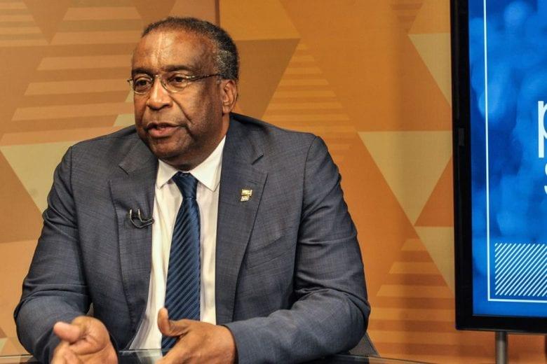 """Decotelli culpa """"imperfeições curriculares e antibolsonarismo"""" por queda como ministro da Educação"""