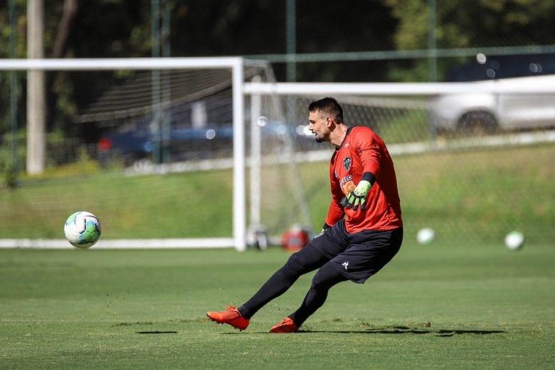 Atlético acerta o empréstimo do goleiro Michael a time português com direitos fixados