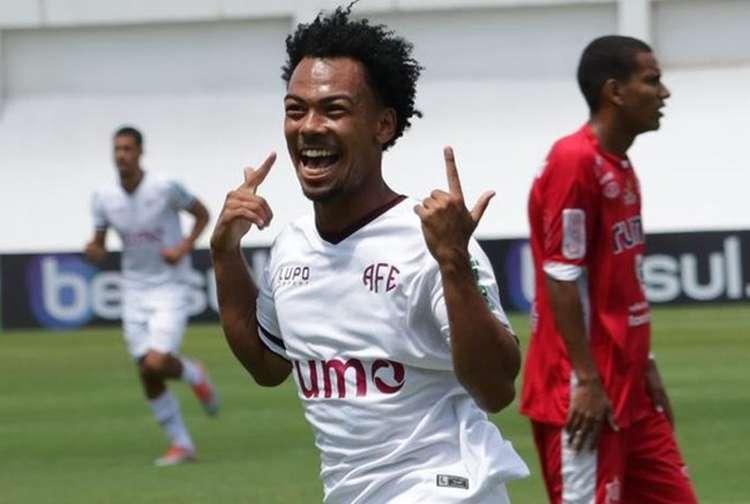 Cruzeiro encaminha contratação de Claudinho; empresário espera 'bater martelo' nesta semana