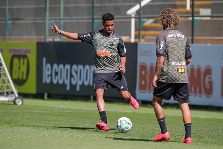 Em apresentação no Atlético, Keno pede duas semanas para entrar em forma e explica apelido