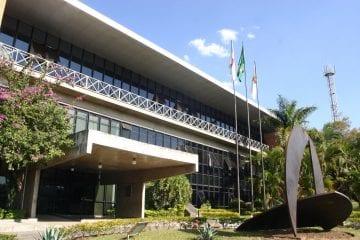 """Bolsonaro pode ser homenageado por """"atuação exemplar"""" no combate ao coronavírus"""