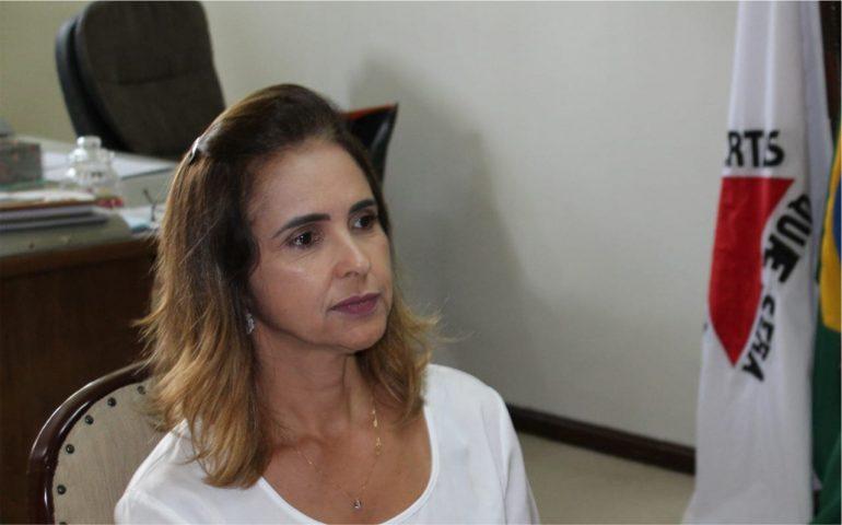 """Em nota de pesar, prefeita de Monlevade pede à população que """"não relaxe"""""""