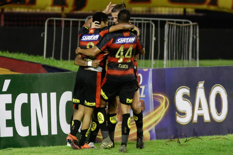 Sport enfrenta o Ceará na Ilha em busca do primeiro passo pela permanência na Série A