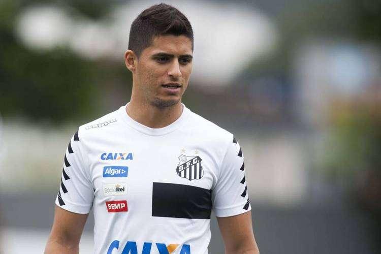 Cruzeiro confirma acordo com Santos por Daniel Guedes e aguarda trâmites burocráticos para fechar contratação