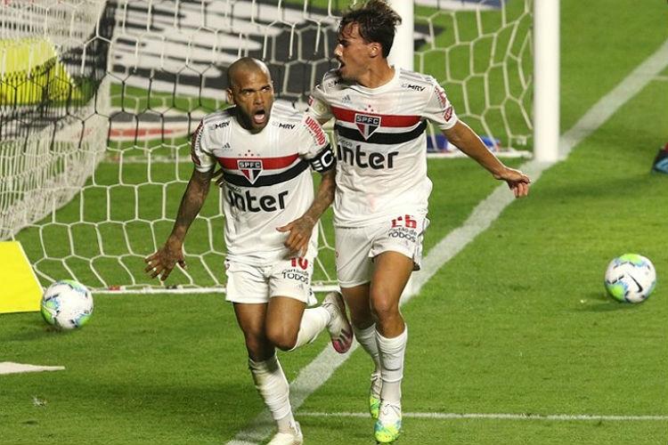 São Paulo estreia no Brasileiro com vitória sobre Fortaleza de Rogério Ceni