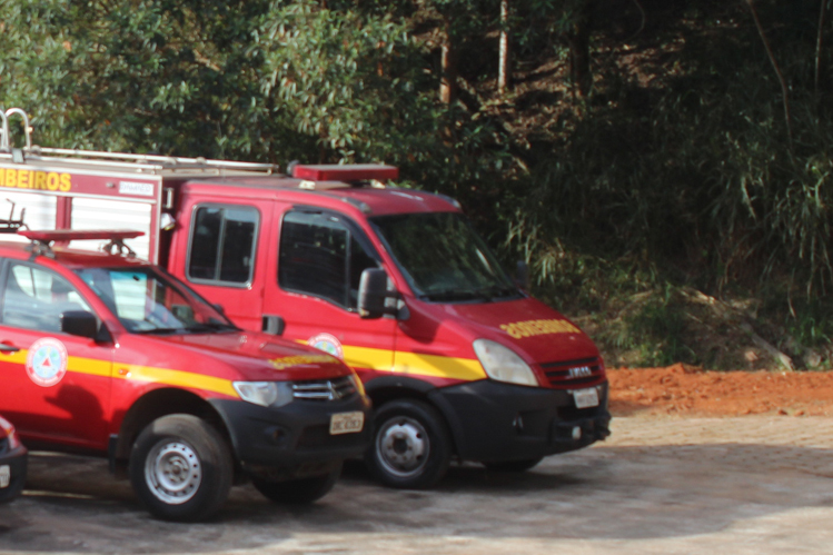 Quatro pessoas são resgatadas pelos bombeiros na Serra do Caraça