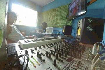 Produtor musical cria projeto para artistas independentes em Itabira