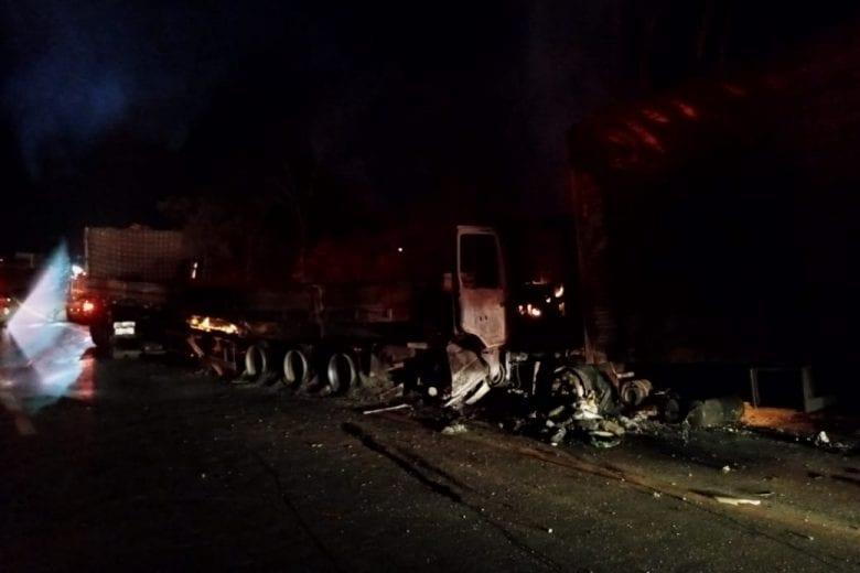 Acidente na noite de ontem deixou três pessoas mortas na BR-381