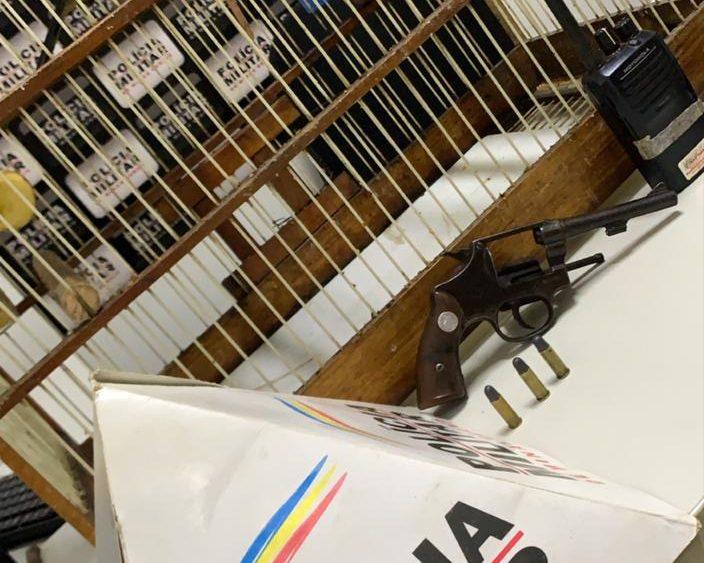 Polícia detém suspeito armado com revólver em Barão de Cocais
