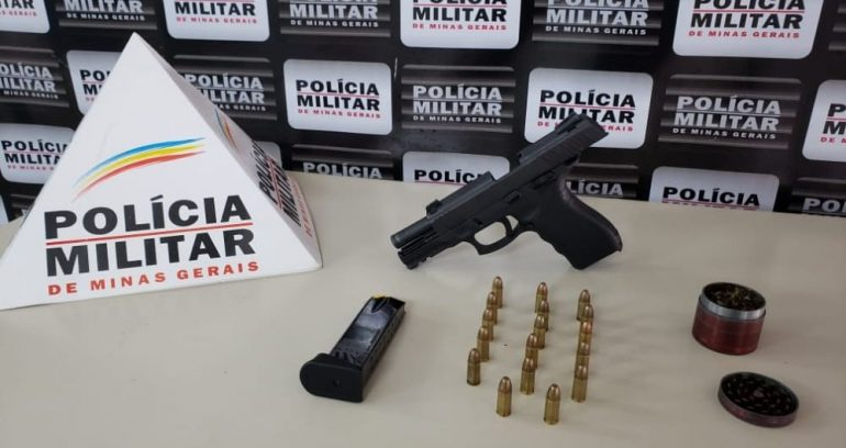 """PM apreende arma de fogo e """"dichavador"""" em Monlevade"""