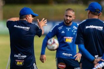 Sob pressão extrema, Cruzeiro recebe Sampaio Corrêa em confronto direto na Série B