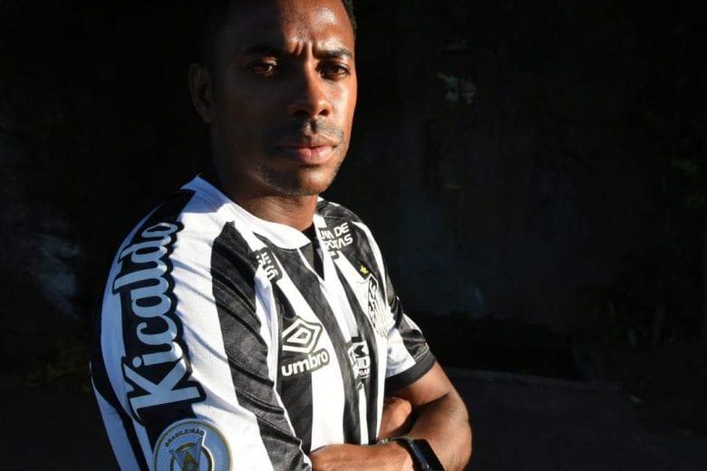 Santos anuncia suspensão do contrato de Robinho
