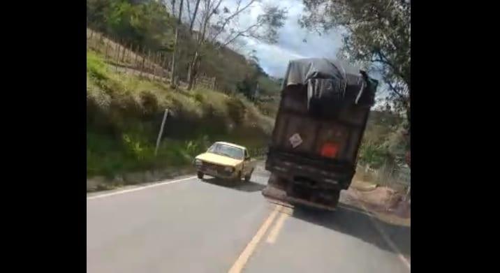 Vídeo mostra imprudência de motoristas na estrada do Forninho