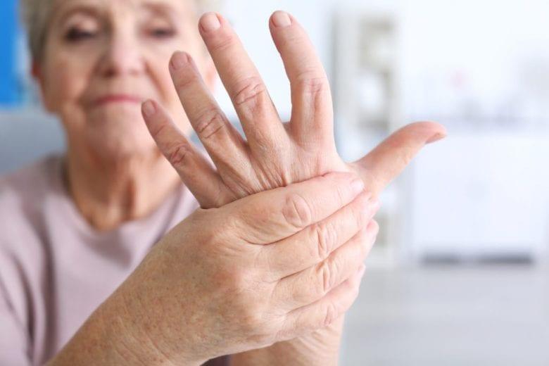 Dores nas mãos, perda de forças, formigamentos? Você pode estar sofrendo de síndrome do túnel do carpo