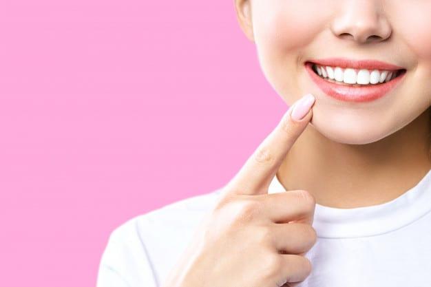 Preciso mesmo ir ao dentista a cada seis meses?