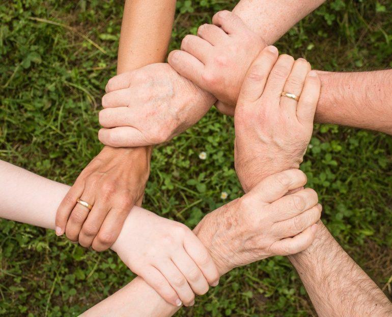 Dia de Doar: saiba o que é, como surgiu e como participar!