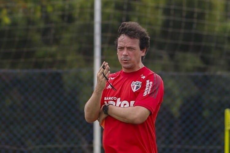 Com 3 jogos consecutivos fora de casa, São Paulo pode se tornar o melhor visitante do Brasileiro