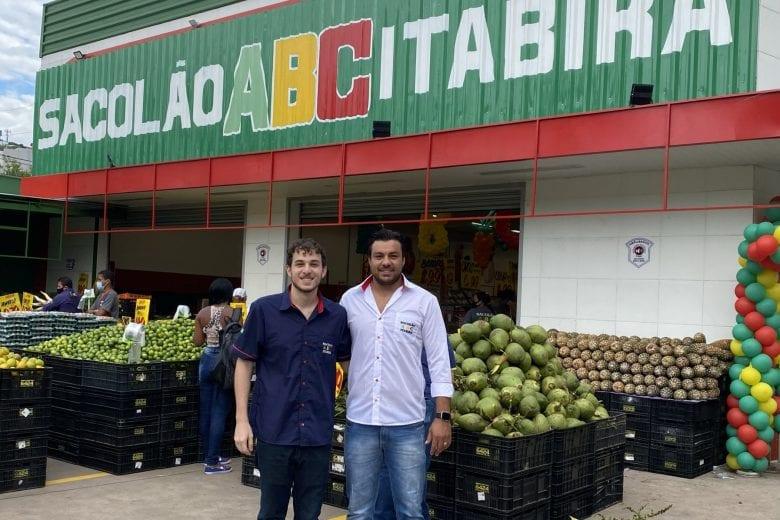 """""""Prezamos pelo bem estar dos clientes"""", afirma proprietário do Sacolão ABC, novidade em Itabira"""