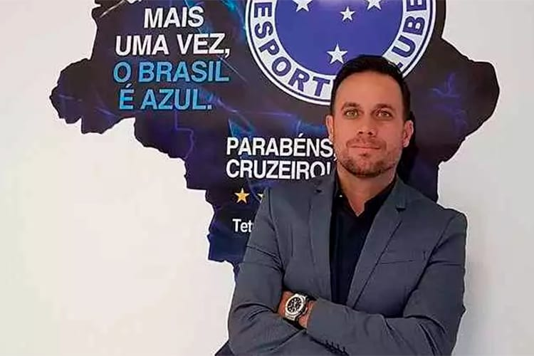Cruzeiro anuncia saída de Renê Salviano; substituto já estava no clube