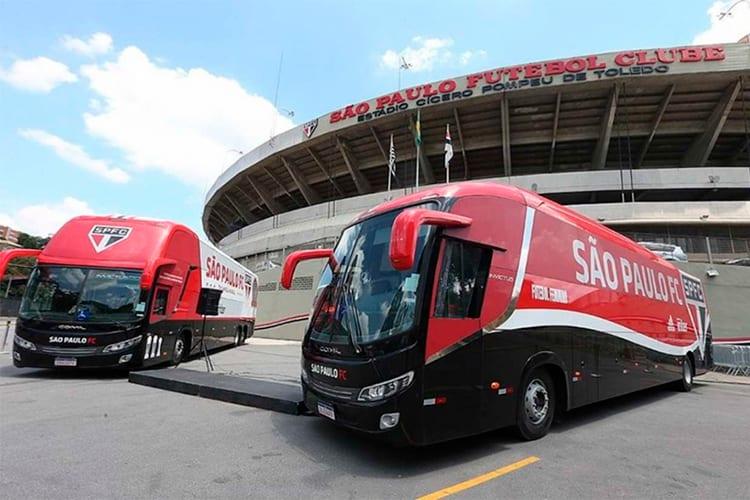 Ônibus do São Paulo é atacado durante trajeto rumo ao Morumbi