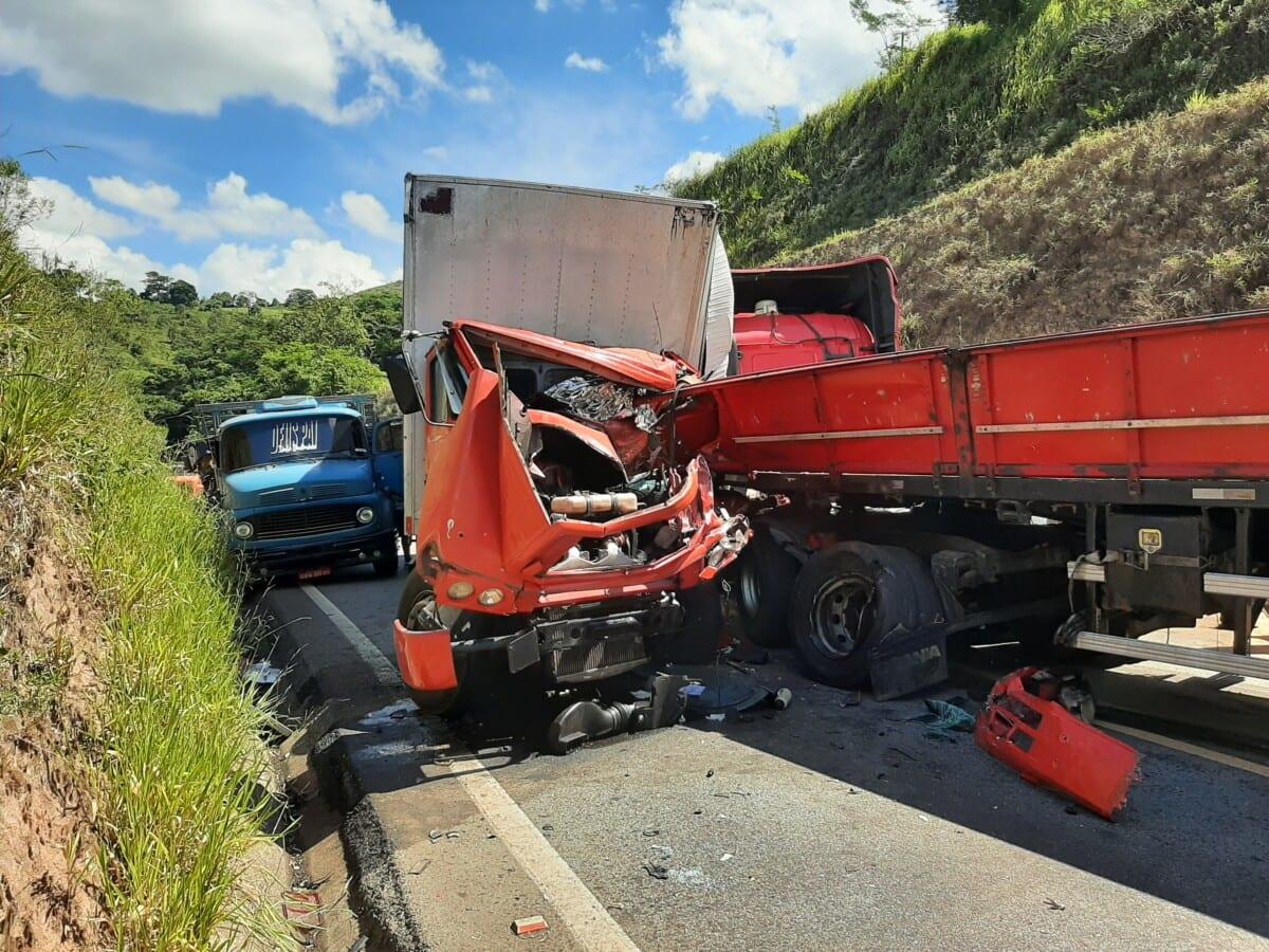 Acidente deixa um morto e interdita rodovia de Itabira à Nova Era