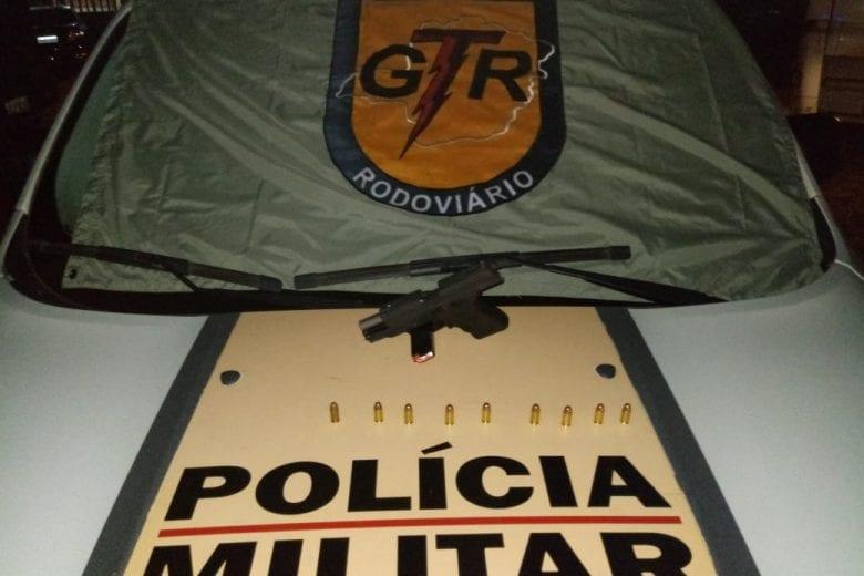 Tático Rodoviário apreende pistola durante operação na MG-436