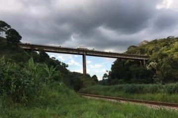 Caminhão envolvido no acidente é localizado e buscas continuam pela manhã no Rio Piracicaba