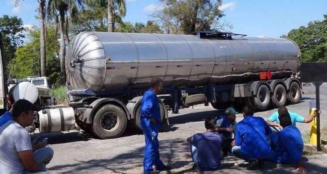 Transportadores de combustíveis confirmam paralisação em Minas nesta quinta